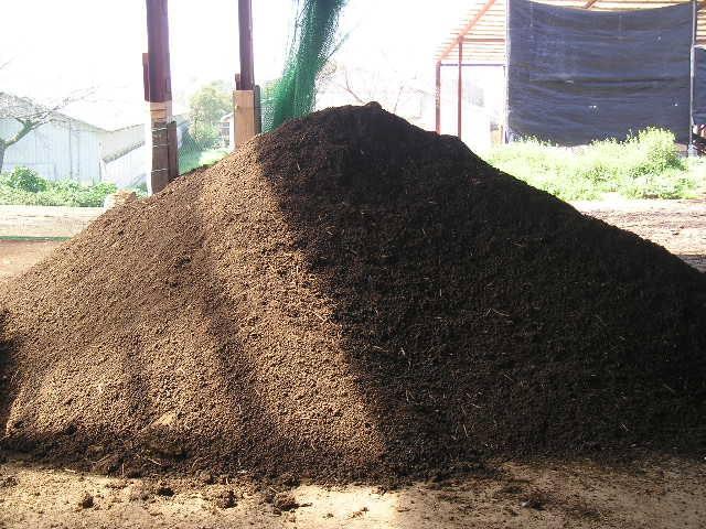 鶏糞の堆肥化